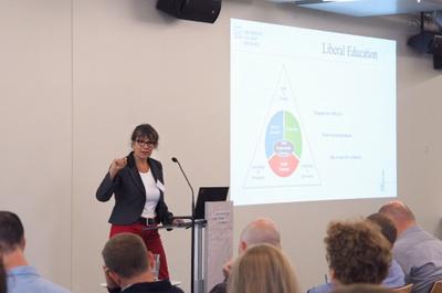 presentation-ursula-glunk.jpg